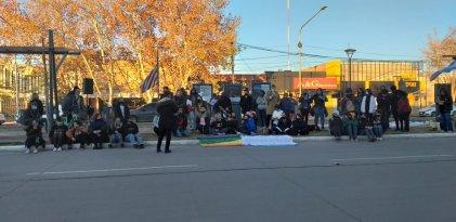 """El colectivo LGTBIQ+ intervino las calles de General Alvear por el """"Día Internacional del orgullo"""" y por todos sus derechos"""