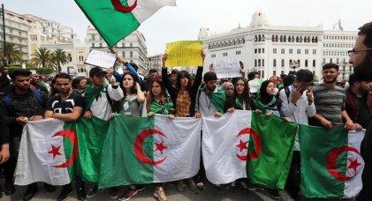 """[ENTREVISTA] """"No vamos a parar"""" dicen los estudiantes de Argelia"""