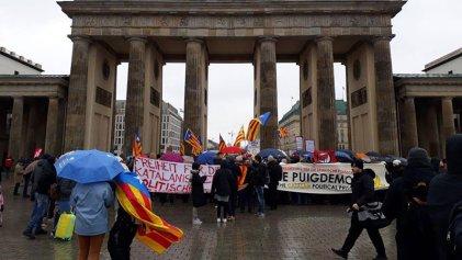 Berlín: 500 manifestantes por la libertad de Carles Puigdemont
