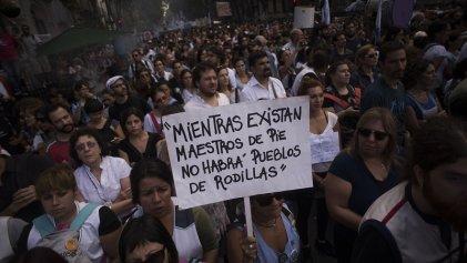 """Paro y movilización docente: """"Vamos por un plan de lucha unificado para derrotar el saqueo de Macri y los gobernadores"""""""