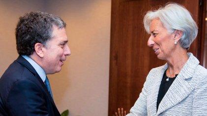 """Aunque no enamora a los """"mercados"""", Dujovne es el empleado del mes para Lagarde"""