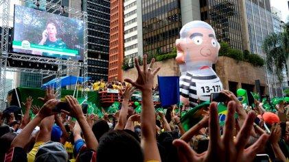 """[Video] Bolsonaro dice que va a expulsar a los """"rojos"""" y que los sin tierra son """"terroristas"""""""