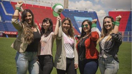 """[Video] """"El fútbol es una fiesta a la que las mujeres no fuimos invitadas, pero nos metimos igual"""""""
