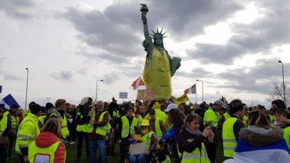Francia: los chalecos amarillos inician marzo movilizados