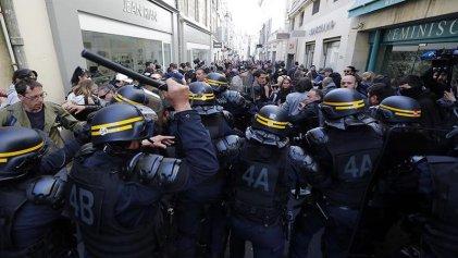 Macron reforzó la salida represiva contra los chalecos amarillos en un nuevo sábado de protestas