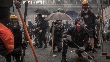 Manifestantes destruyen cámaras de reconocimiento facial en Hong Kong