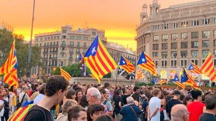 Masivas manifestaciones en Catalunya en el segundo aniversario del 1-O