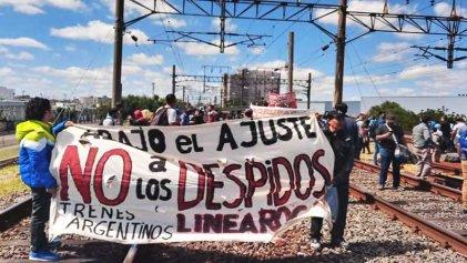 Cientos de familias ferroviarias exigen una definición ante los despidos