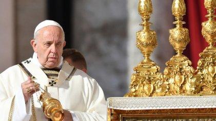 """La limosna del papa: el Vaticano """"dona"""" un millón de euros por la crisis en Roma"""