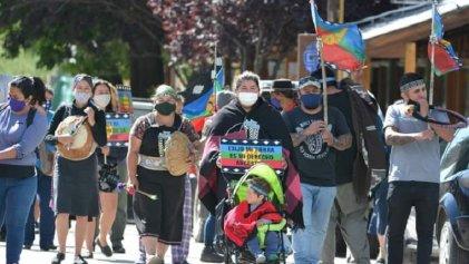 Movilización contra el desalojo de los territorios comunitarios en Junín de los Andes