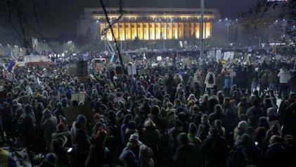 Continúan las movilizaciones masivas en Rumania