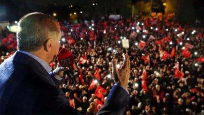 Erdoğan gana el referéndum, entre manipulaciones y represión