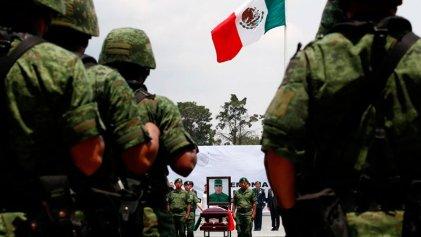#FueElEjército: Un vídeo muestra a militares ejecutando a civil en el estado mexicano de Puebla