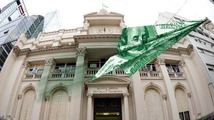 Fuga de capitales: 3 de 4 pesos ingresados en junio fueron para especulación