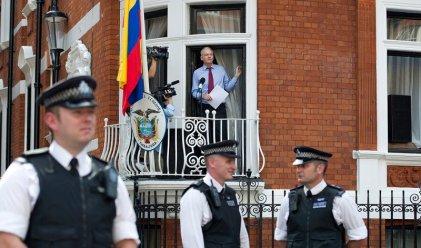 Assange sigue sin Internet y encerrado en la Embajada de Ecuador