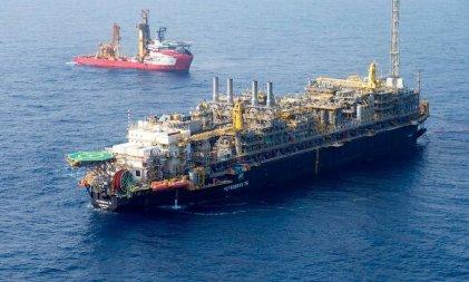 Bolsonaro privatiza millonarias reservas de petróleo pero recauda menos de lo que esperaba