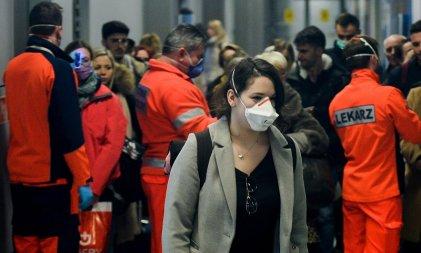 """Estados Unidos ve """"inevitable"""" la propagación del coronavirus y crece la preocupación global"""