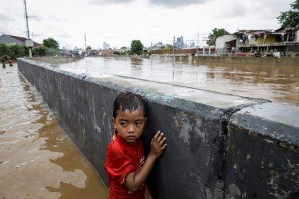 Inundación y desastre en Indonesia: al menos 66 muertos y miles de evacuados