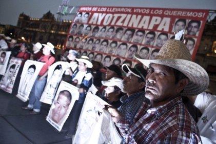 Entre el abandono y el cinismo, se cumplen 20 meses de Ayotzinapa