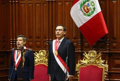 Martín Vizcarra asumió la presidencia de un Perú en crisis