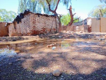 Continúan los problemas de vivienda por las inundaciones en el oeste de Godoy Cruz y no hay respuestas del municipio