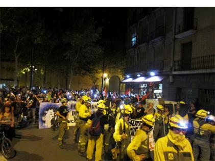"""""""Marcha Negra"""" en Zaragoza: una manifestación para unificar las luchas"""