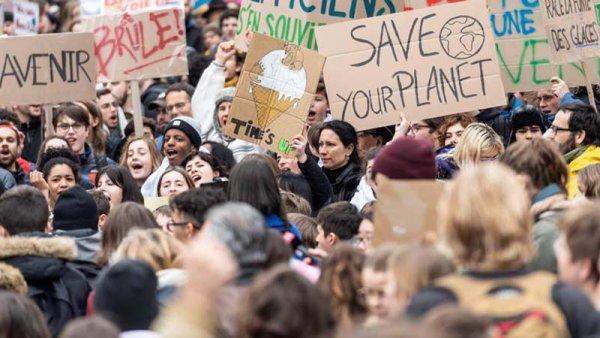 """[FOTOS] Las mejores imágenes de las """"Huelgas por el clima"""" de los jóvenes en el mundo"""