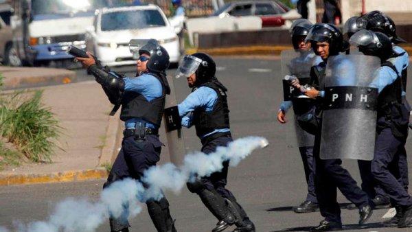 El Gobierno de Honduras despliega al Ejército en medio de las protestas en su contra