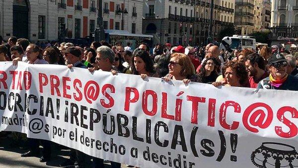 Contra la represión al pueblo catalán, más que nunca, solidaridad