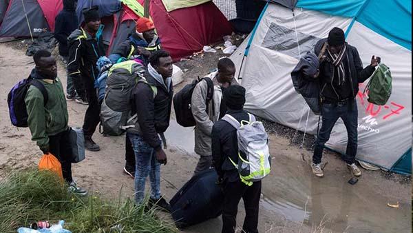 """[FOTOGALERÍA] Desalojo a la """"Jungla"""" de Calais"""
