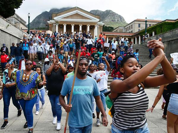 El resurgir del movimiento estudiantil sudafricano y el fin del ciclo post apartheid