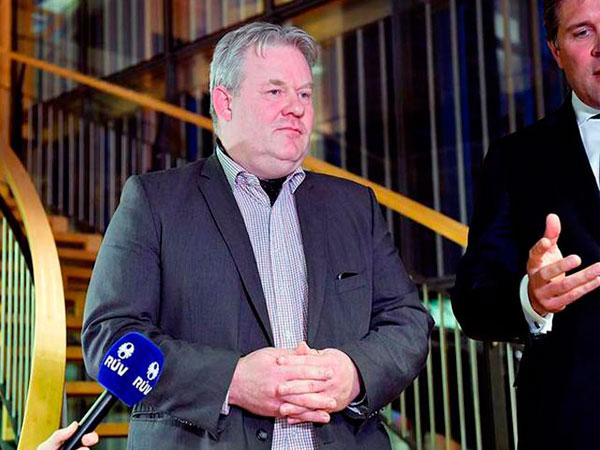 Asume nuevo primer ministro islandés y el Parlamento rechaza moción de censura